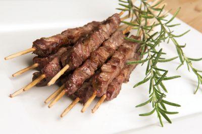 offerta arrosticini alla brace occasione cucina tipica abruzzese trattoria da betty