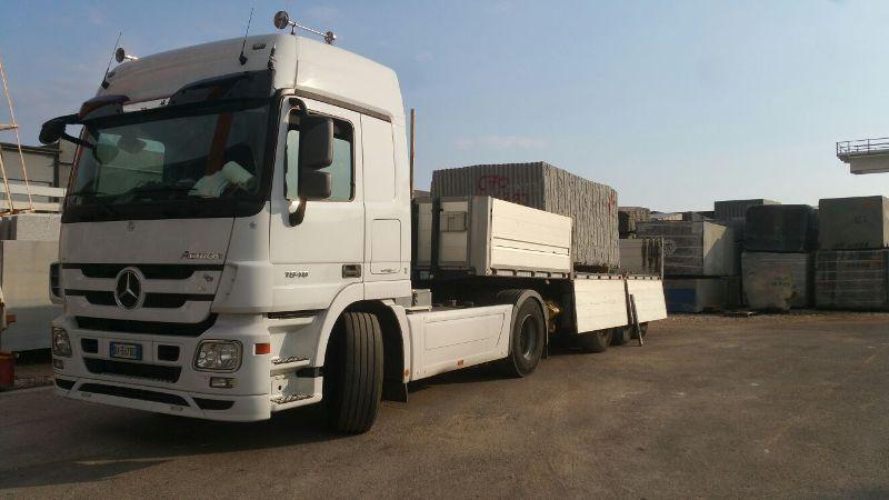 Offerta spostamento marmi Piemonte - Promozione trasporto pietre per lavorazioni edili Svizzera