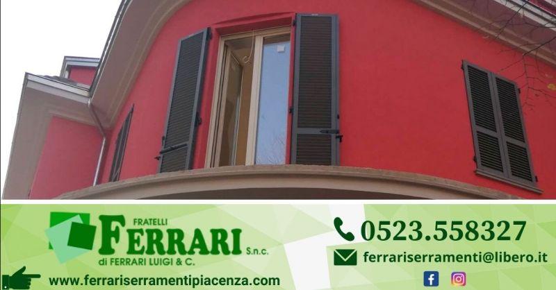 Offerta produzione scuri per finestre - Occasione fornitura installazione persiane orientabili Piacenza