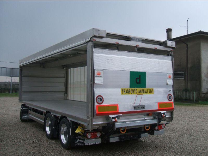 Offerta carrozzeria chiusura automatica laterale-Promozione cassoni veicoli per animali Verona