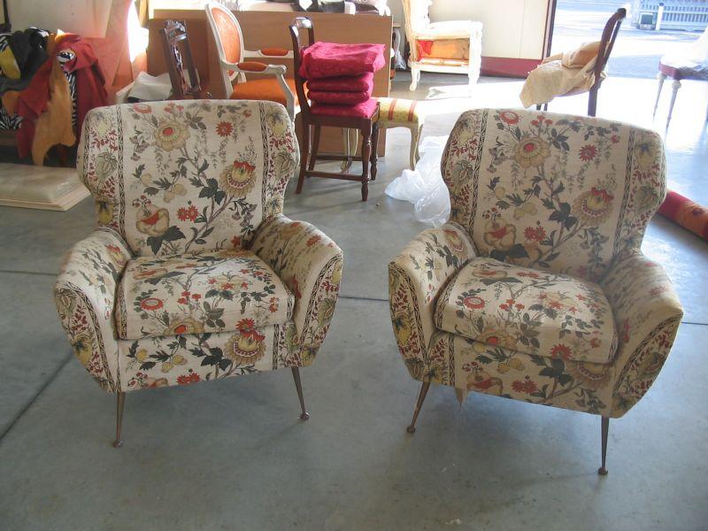 Offerta rifacimento sedie poltrone promozione riparazione for Sedie imbottite classiche