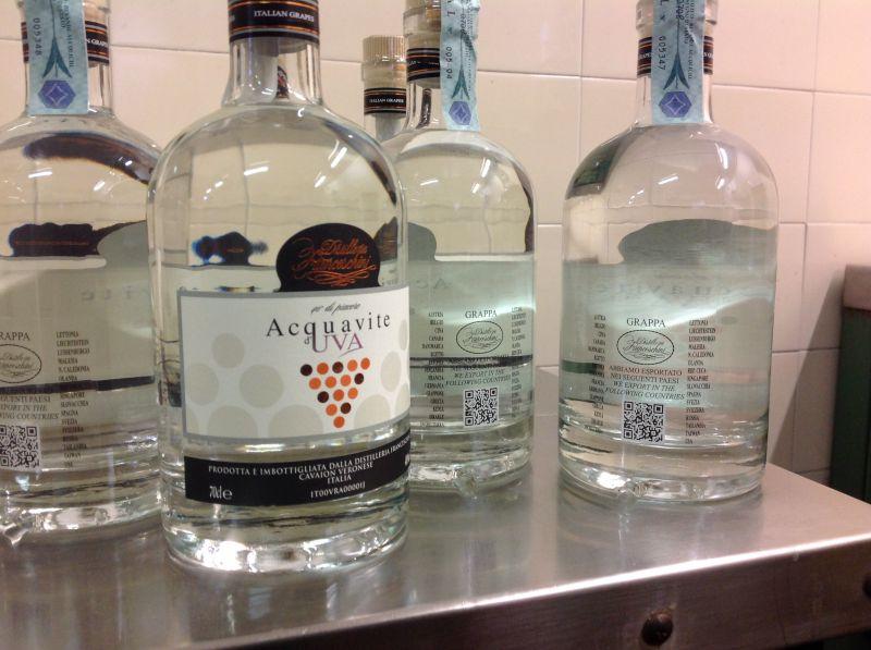 Offerta produzione acquavite d'uva - Occasione vendita distillato di frutta acquavite di uva