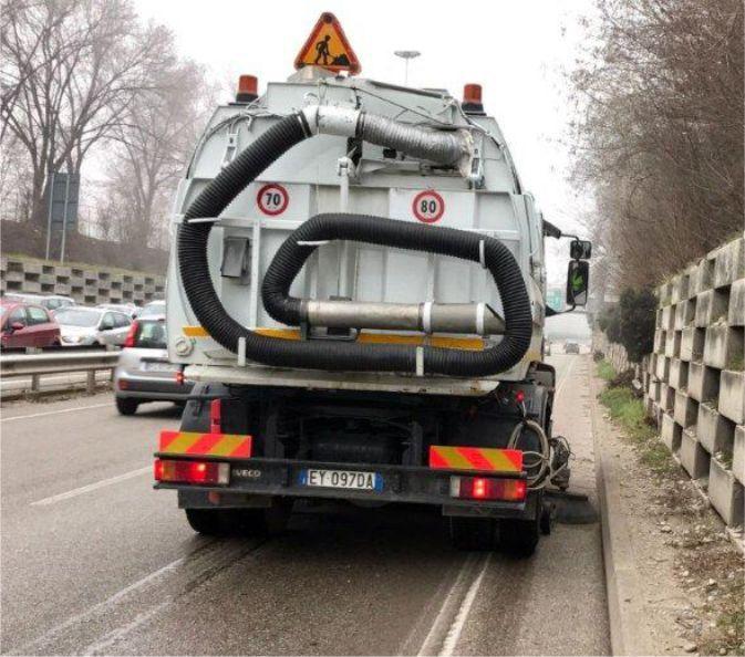 offerta noleggio spazzatrici stradali autocarri promozione servizio lavaggio di strade verona