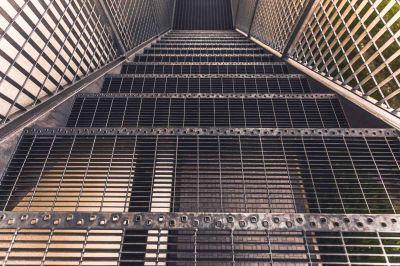 offerta progettazione costruzione scale antincendio occasione posa scale di sicurezza milano