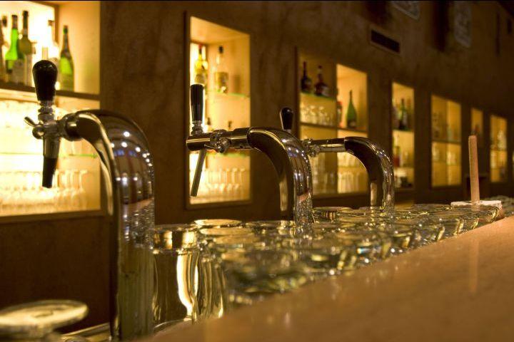 Offerta assortimento vini nazionali e spumanti - Promozione vendita di liquori Garda Verona