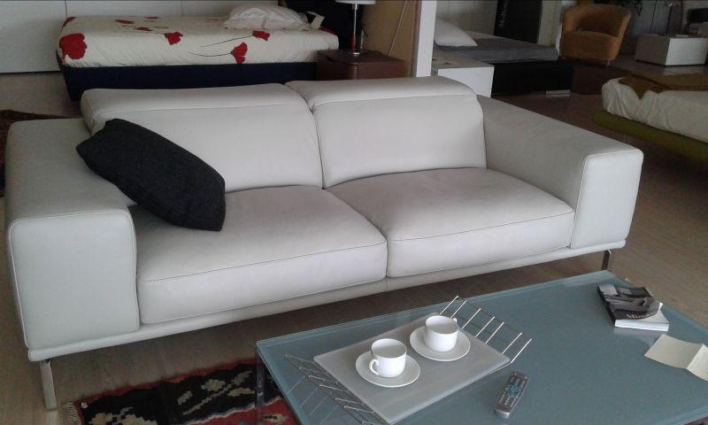 offerta vendita divano in pelle promozione divano reclinabile expo cadidavid verona