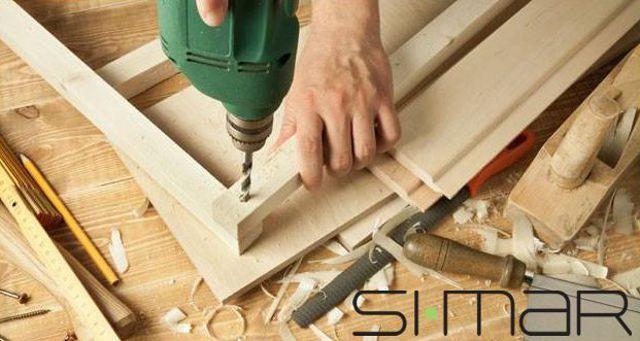 Offerta verniciatura infissi e porte -Promozione riparazione e modifica mobili su misura Verona