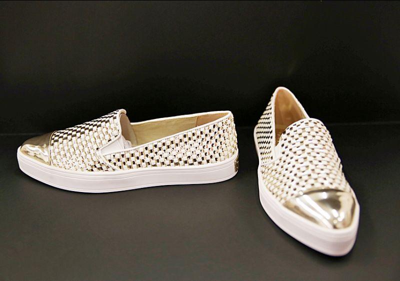 Offerta-Scarpa Donna modello Slip-on marchio Guess