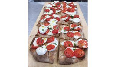 pizza con ingredienti selezionati di stagione ancona