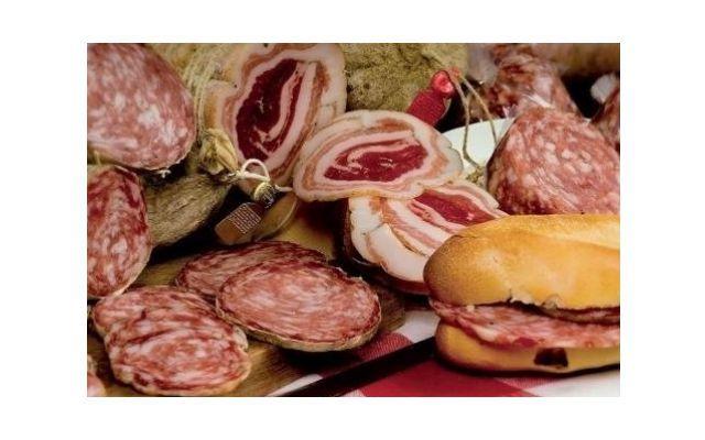 Offerta produzione artigianale cotechino Verona - Promozione produzione pancette coppate