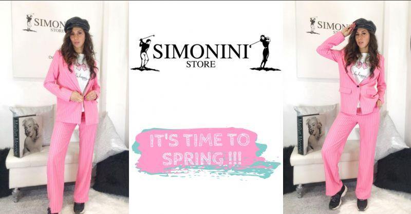 Simonini Store - offerta tailleur gessato rosa - occasione abbigliamento primavera estate