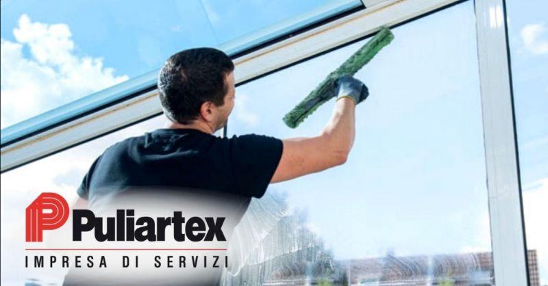 Offerta pulizia vetrine negozi con prodotti professionali Cremona - Occasione lavaggio vetri con nanotecnologia