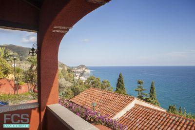 offerta villa vista mare finale ligure vendita villa posizione panoramica varigotti