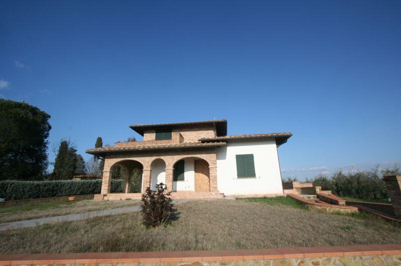 Sinalunga vendesi casa singola al grezzo di 375 mq