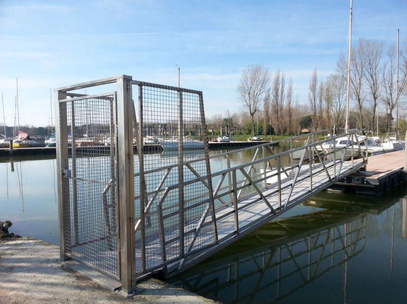LA.VIR. SERVICE offerta produzione finger e pontili galleggianti Umbria