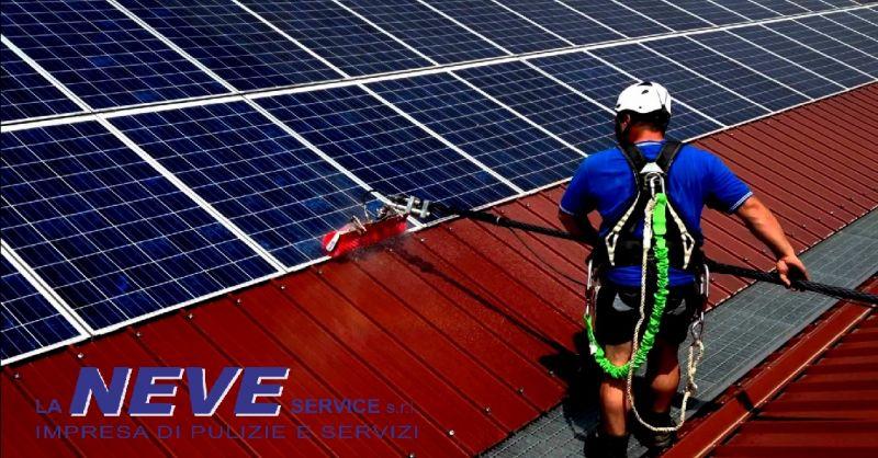 LA NEVE SERVICE offerta pulizia impianti fotovoltaici - occasione lavaggio vetri e finestre