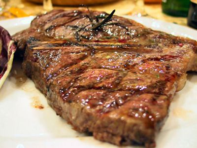 offerta bistecca di scottona alla brace camaiore promozione bistecca di scottona brace camaiore