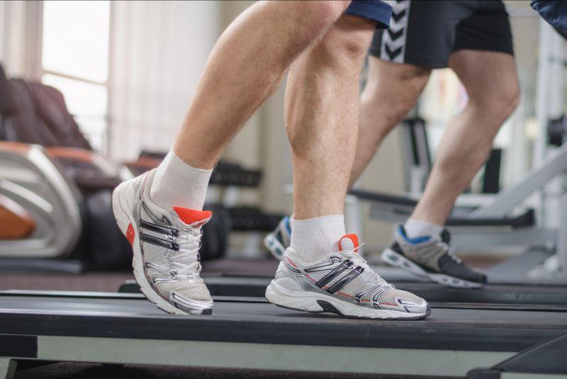 offerta abbigliamento sportivo - occasione abbigliamento da palestra scarpe da ginnastica