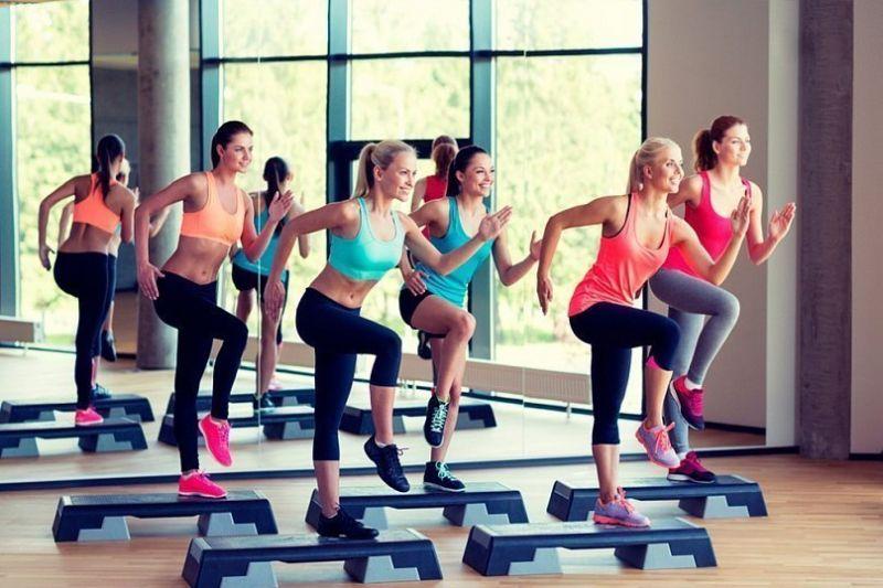 offerta abbigliamento fitness - occasione abbigliamento running abbigliamento da tennis