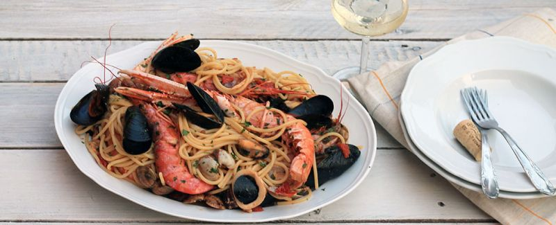 offerta Specialità tipiche cucina mediterranea  - occasione Specialità pesce cucina napoletana