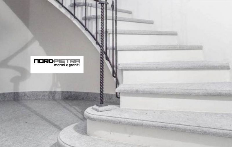 Angebot Installation von Marmor und Granit Innen und Außen. Promotion Verkauf von rohen