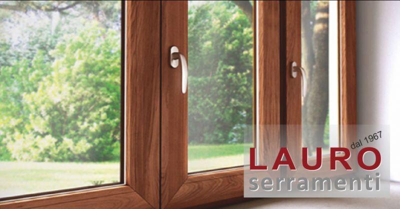 offerta vendita finestre scorrevoli in legno - occasione vendita serramenti in legno imperia