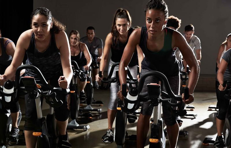 SPINNING o INDOOR CYCLING / Palestra WELLNESS EVOLUTION a Imperia