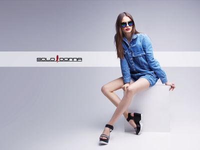 offerta vendita abiti alta moda donna promozione distribuzione abbigliamento femminile