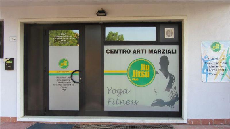 Offerta realizzazione vetrine per negozi - Promozione vetrina per attività commerciale Verona