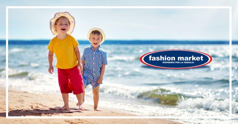 offerta collezione bambino abbigliamento mare - occasione Fashion Market  moda mare bambino 2b2d8c07b96