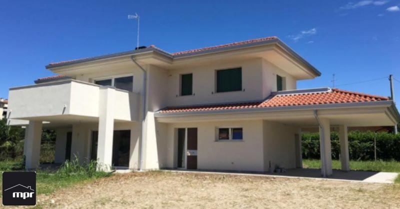 MPR Infissi occasione vendita serramenti - offerta installazione infissi abitazioni Pordenone