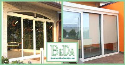 offerta realizzazione vetrine per negozi occasione produzione finestre alluminio legno verona