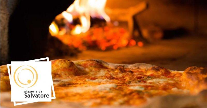 offerta pizzeria tipica napoletana Verona - occasione specialità pizza cotta a legna Verona