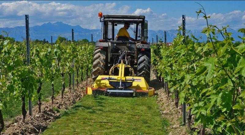 vendita attrezzature macchine agricole-riparazioni assistenza macchine agricole
