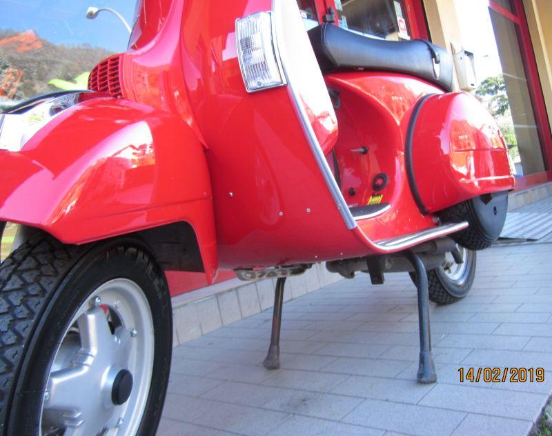 vendo Vespa PX 150 rossa ottime condizioni