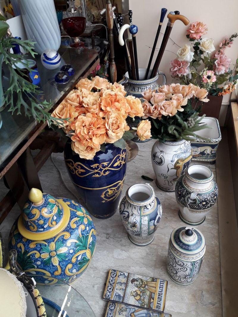 offerta vendita vasi e lampade liberty - occasione vendita tovaglie e centro tavola ricamati