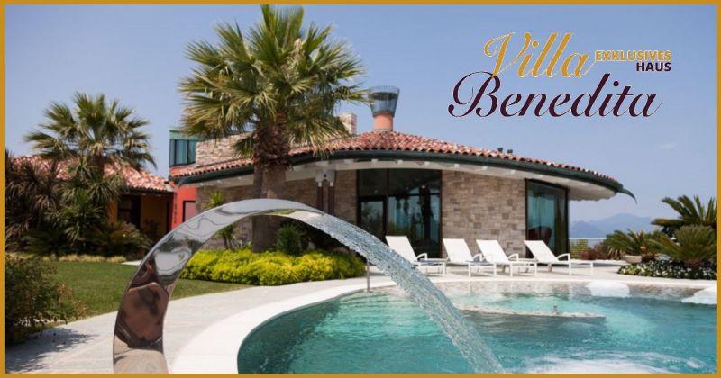 Es bietet Unterkunft mit Frühstück und einen Swimmingpool in einer exklusiven Villa am Gardasee