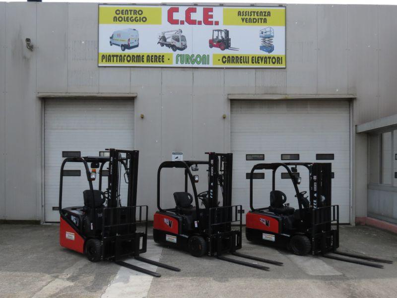 Servizio di vendita di carrelli elevatori frontali elettrici e diesel nuovi