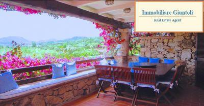 offerta affitto e vendita villa zona esclusiva occasione porto rotondo villa con giardino