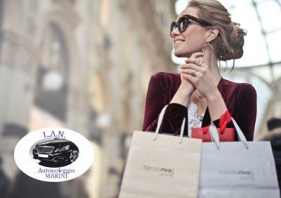 lan autonoleggio offerta shopping tour promozione outlet tour