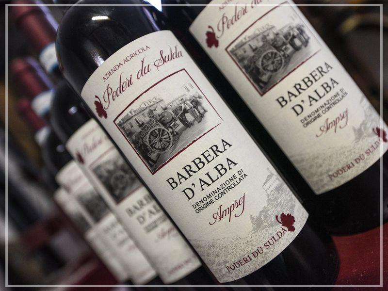 Offerta vendita vino Barbera artigianale - Promozione distribuzione vino Barbera per la casa