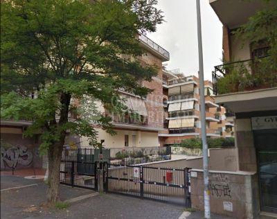 offerta vendita box tuscolana cinecitta occasione garage in vendita appio claudio roma