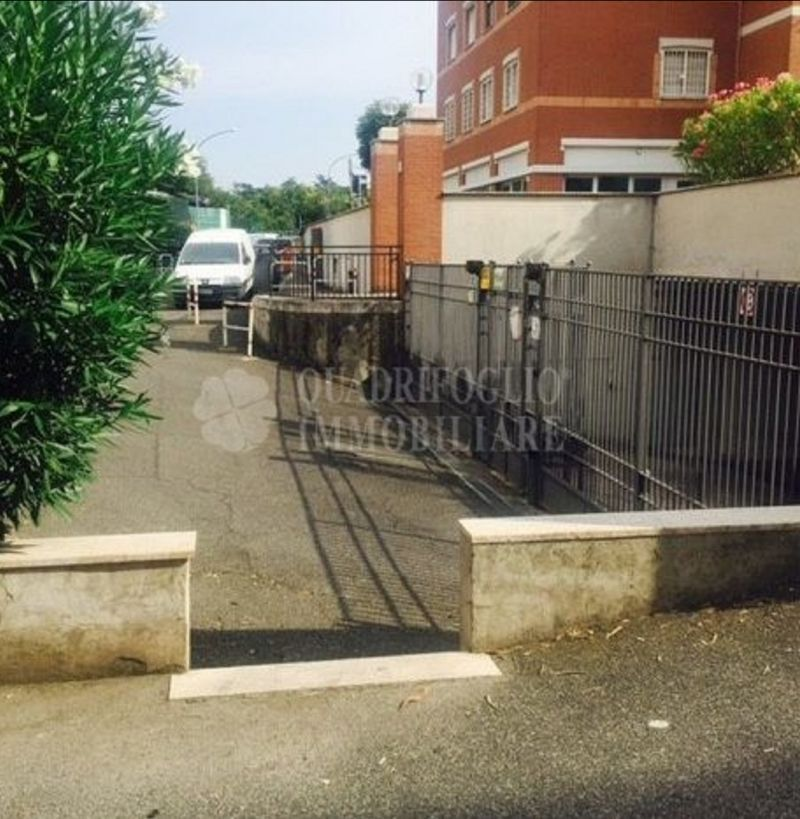 Offerta vendita box auto Porta Furba - occasione garage in vendita Torpignattara Roma