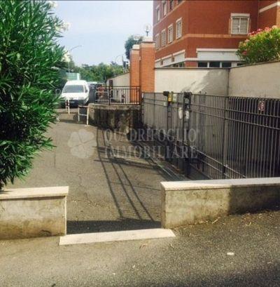 offerta vendita box auto porta furba occasione garage in vendita torpignattara roma