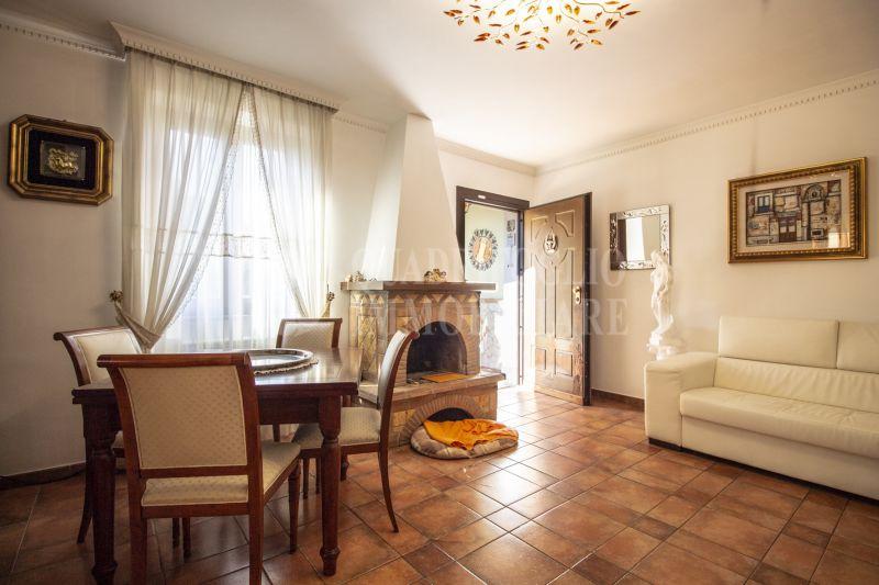Offerta vendita villa bifamiliare Arco di Travertino - occasione villa in vendita Appia Nuova