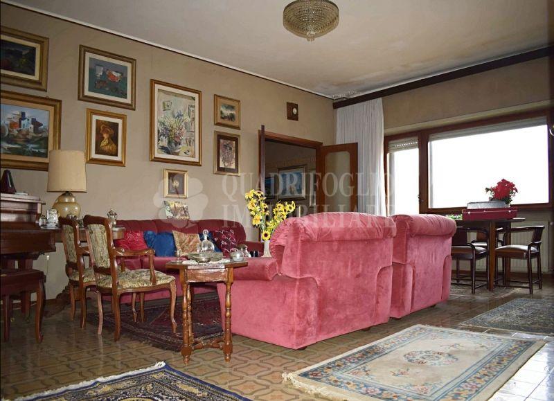 Offerta vendita appartamento Ostia Centro-occasione ampio immobile in vendita Via delle Gondole