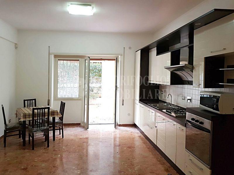 Offerta affitto appartamento Ostia Levante-occasione trilocale affitto Via S. Denti di Pirajno