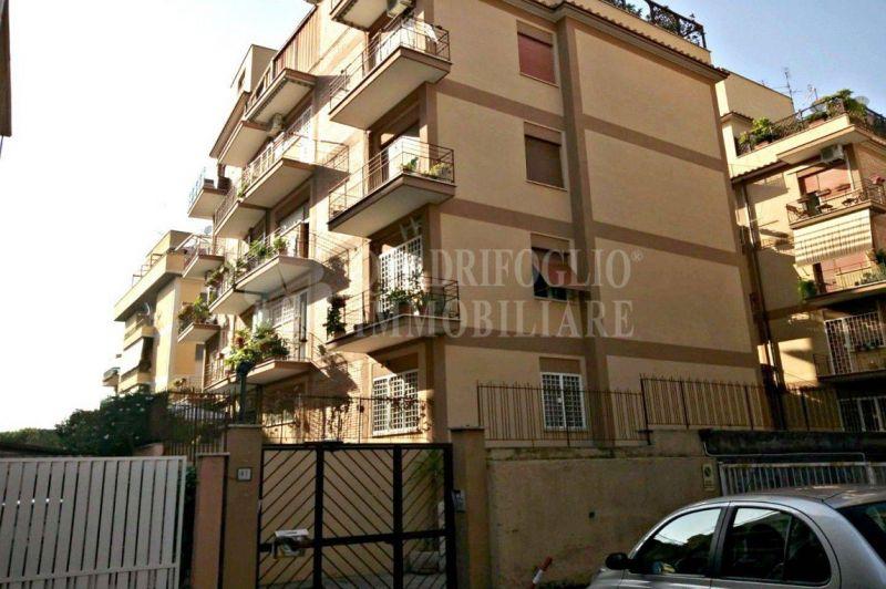 QUADRIFOGLIO IMMOBILIARE Offerta vendita appartamento primo piano palazzina Roma zona Talenti