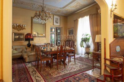 offerta vendita appartamento fori imperiali occasione ampio immobile in vendita via cavour