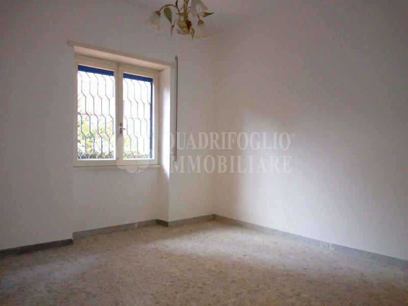 Offerta affitto appartamento Pineta Sacchetti - occasione trilocale in affitto Via Simone Mosca